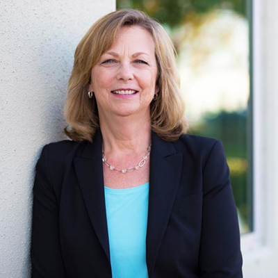 LIZ McCAPES